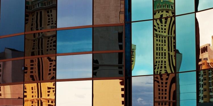 glass-200888_1280